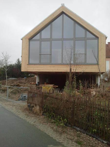 Holzhaus Bergern Glasgiebel